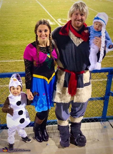 homemade frozen family costume