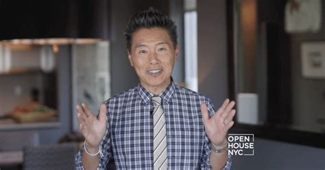 vern yip watch vern yip gives a tour of his tiny new york apartment cetusnews