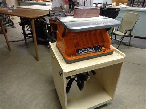 flip top tool bench 118 best images about carpentry benches and vise on