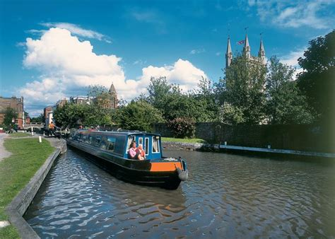 devizes canal boat hire boat hire kennet avon canal narrowboat rentals