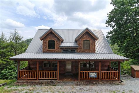 6 bedroom cabins in pigeon forge tn pin by pigeon forge tn cabins on 3 6 bedroom cabins