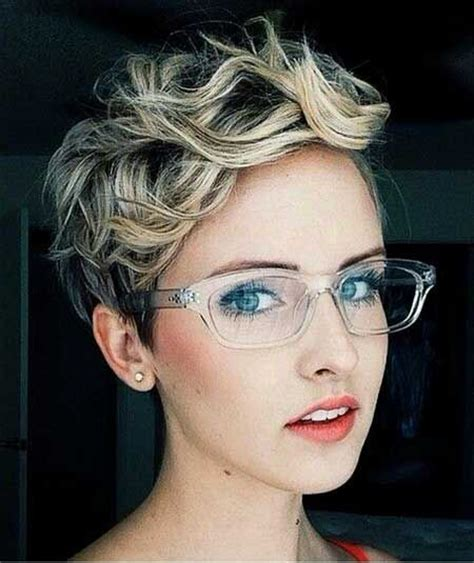 pixie cut curly hair glasses 1044 best short curly hair images on pinterest hair cut