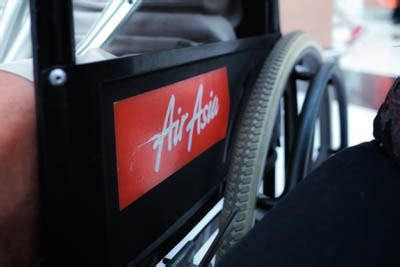 Kursi Roda Malaysia layanan kursi roda pesawat terbang chocky sihombing