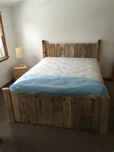 Pallet Platform Bed Diy Diy Custom Built Pallet Platform Bed 101 Pallets
