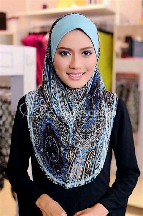 Kaila Phasmina express or tudung hijabs niqab and niqab