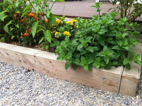 26 Nice Vegetable Garden Design For Small Spaces Izvipi Com Vegetable Gardens For Small Spaces