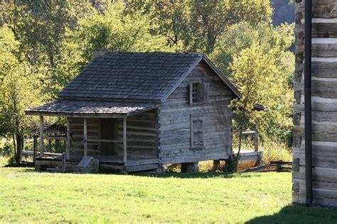 log cabin photograph  cghepburn scenic