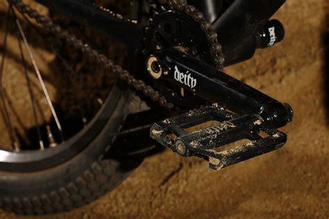 Deity Pedal Decoy Putih deity decoy 2 pedals deity cryptykeeper dirt jumper protoype mountain biking pictures