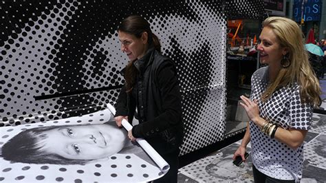 Kaos Inside Out 05 Square times square insideout15 fading ad