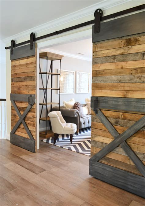 barn doors in houses tendencias en decoraci 243 n madera reciclada el