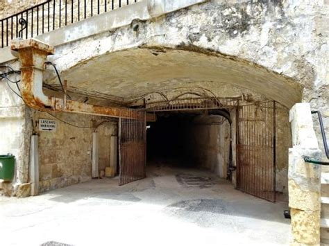 tunnel entrance to lascaris war rooms with barakka lift in