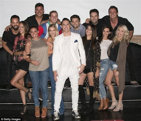 how much does vanderpump cast earn how much do vanderpump rules cast make how much does