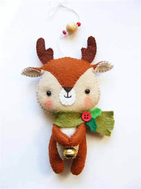 how to make small cute ornaments pdf pattern reindeer felt tree ornament sewing diy project easy