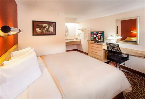 Troy Rooms by Roof Inn Detroit Troy Reviews Photos Rates