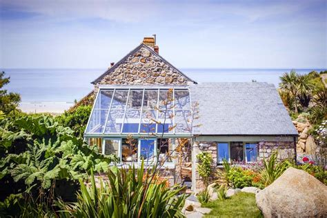 Castawaysholiday Cottage By The Sea In Sennen Cornwall Cornwall Cottages