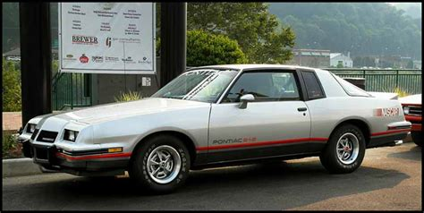 1983 pontiac grand prix lj on the go classic 1983 pontiac grand prix lj middle