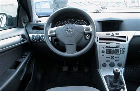 Opel Astra 2008 Interior by 2007 Opel Astra Interior Pictures Cargurus