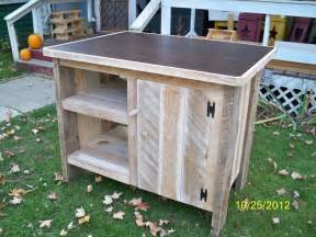 Portable Islands For Small Kitchens 11 Best Images About Pallet Kitchen Island On Pinterest