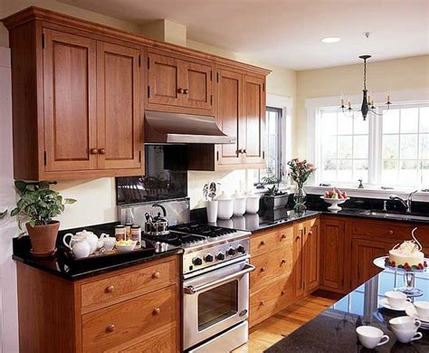 furniture style kitchen cabinets best 25 shaker style kitchen cabinets ideas on
