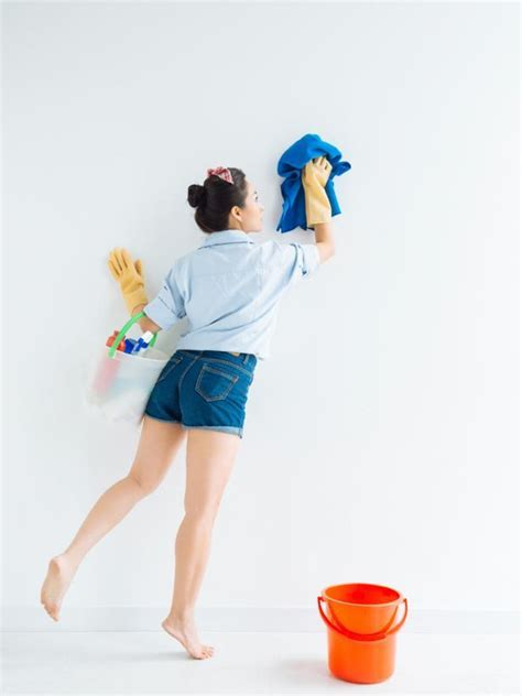 How to Clean Walls   DIY