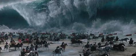 exodus gods  kings trailer  brings  plague  awesome