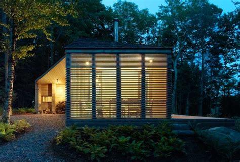 cottage in legno stealth cabin un moderno cottage in legno design therapy