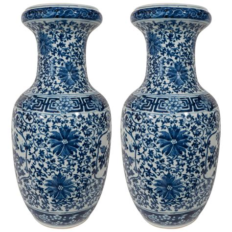 Blue And White Vases by Pair Of Antique Blue And White Porcelain Vases At