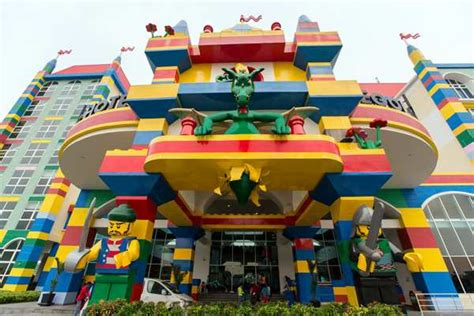 theme hotel in malaysia taxi from singapore to legoland malaysia cheapest taxi rate