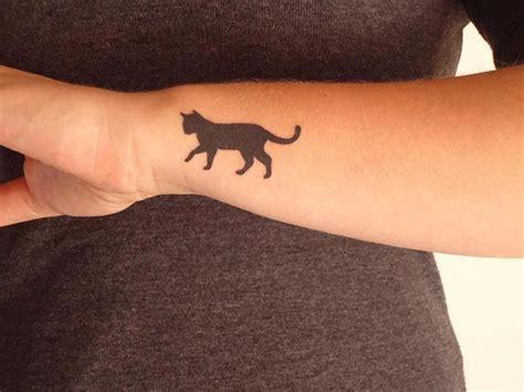 tattoo cat minimalist 20 minimalistic cat tattoos for cat lovers bored panda