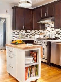 Small Kitchen Layout With Island 25 Best Ideas About Small Kitchen Islands On Pinterest