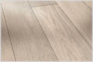 grey wide plank laminate flooring flooring home decorating ideas kjrwr1dpmj
