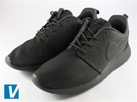Sepatu Nike Rhose Run Blue harga sepatu nike roshe run hyperfuse
