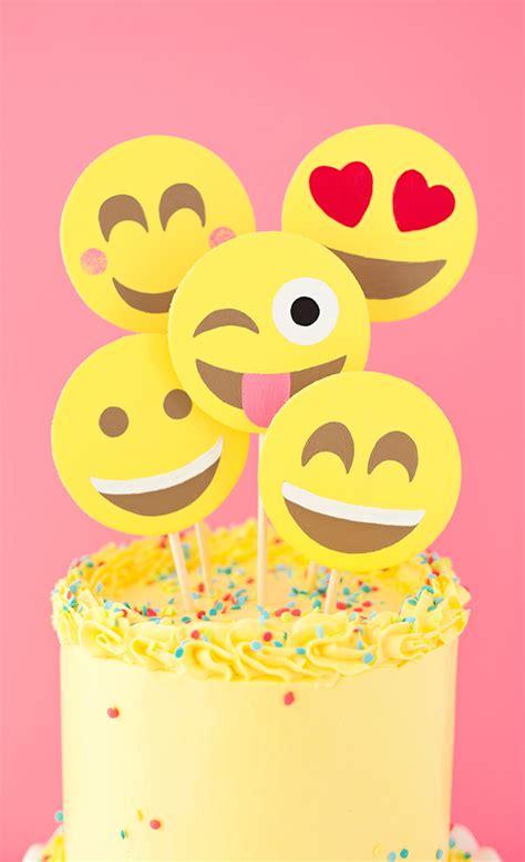 emoji party emoji party cake a subtle revelry bloglovin