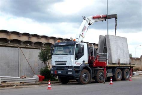 capannoni prefabbricati in cemento manufatti in cemento capannoni trapani palermo
