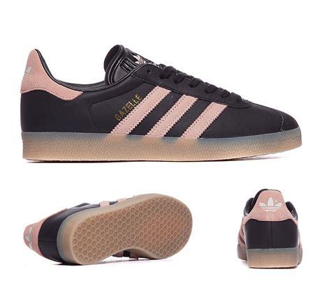 Sepatu Sneakers Adidas Originals Gazelle Black White Bz0026 1 adidas gazelle black pink