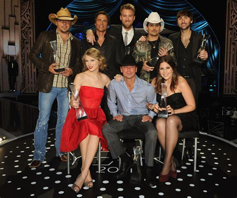 country music artists of the year 2012 watch 2011 cmt artists of the year tweet to win