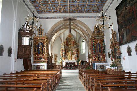 katholische kirche innen datei kirche pleif innen jpg