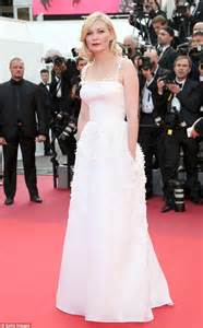 Cannes Wardrobe by Toni Garrn Risks A Wardrobe At Cannes
