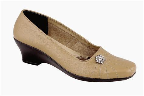 Sepatu Wanita Murah Wedges 5cm Warna Hitam Formal toko sepatu cibaduyut grosir sepatu murah toko sepatu formal wanita cibaduyut