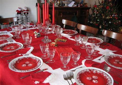 how to set a christmas table christmas table setting easyday
