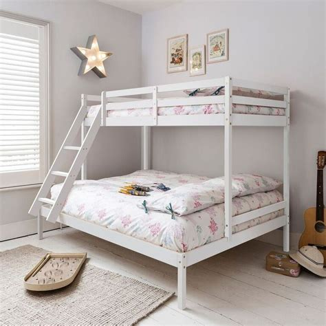 triple bunk beds ikea 25 b 228 sta triple bunk bed ikea id 233 erna p 229 pinterest
