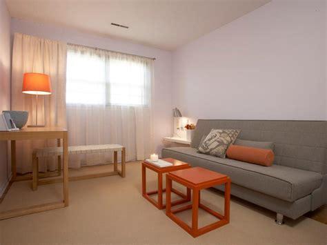 how to make a guest room cozy 12 cozy guest bedroom retreats diy
