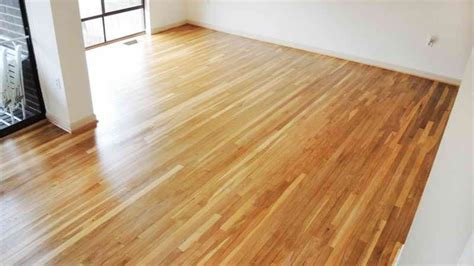 is laminate flooring better than hardwood which is better wood or laminate flooring vizimac