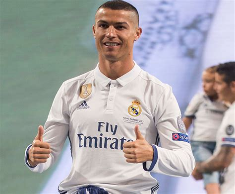Cristiano Ronaldo Crib by Cristiano Ronaldo Welcomes His Babies News