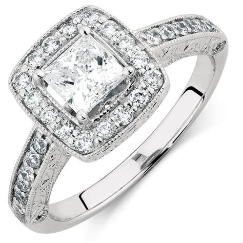 engagement ring with 1 1 4 carat tw of diamonds in 14ct
