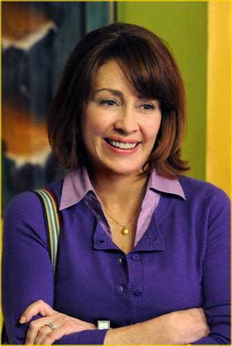 does patricia heaton wear a wig in the middle who has the worst haircut themiddle