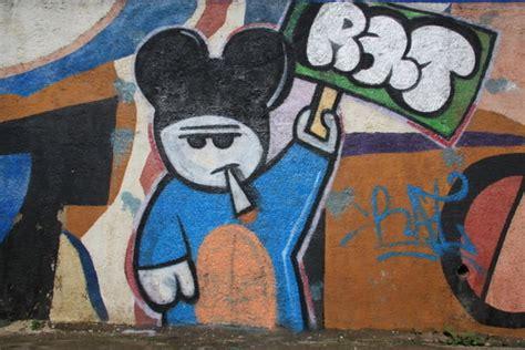rat graffiti photo
