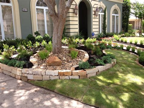residential customers house in royal oaks flower beds