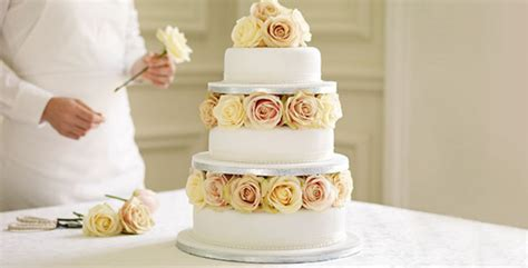 Wedding Cake Planner by Totally Alternative Wedding Cake Trends For 2017