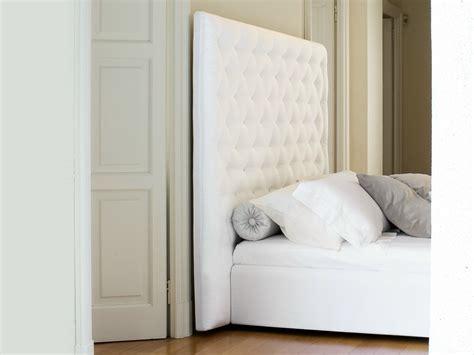 hohes einzelbett doppelbett mit hohem kopfteil wing by bonaldo design